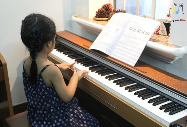 Bóc mẽ lý do tại sao nên cho bé học piano ngay từ nhỏ hình ảnh 3