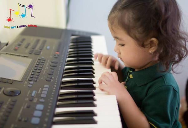 Bóc mẽ lý do tại sao nên cho bé học piano ngay từ nhỏ hình ảnh 5