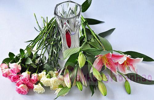 Mãn nhãn với bộ sưu tập cách cắm hoa hồng đẹp tinh tế hình 17