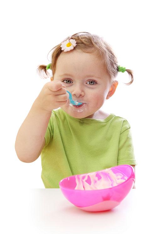 toddler-eating