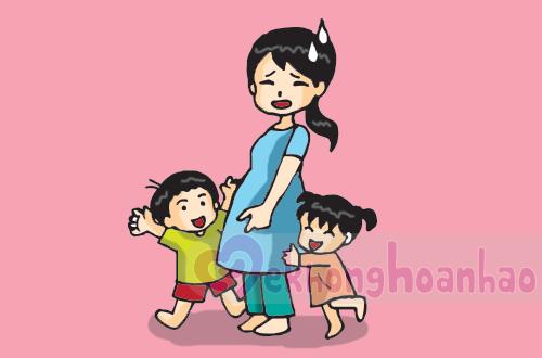Viem-hong-va-bi-sot-khi-mang-thai-phai-lam-sao-hinh-anh2