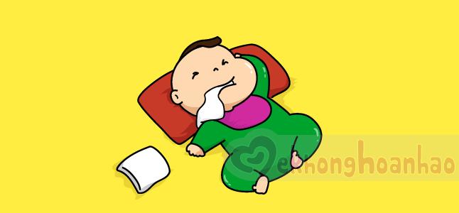 Phân biệt giữa việc trẻ sơ sinh bị nôn trớ khi uống sữa và nôn ói