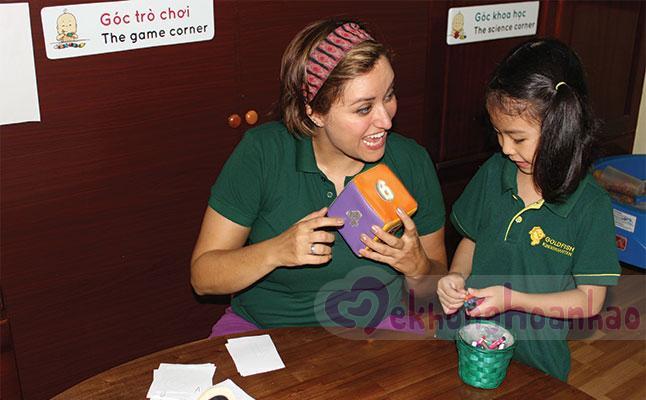 Lợi ích của việc cho trẻ học tiếng anh sớm