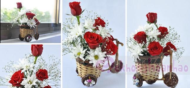 Cách cắm hoa hồng và hoa cúc đáng yêu