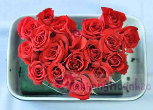 Bật mí cách cắm hoa hồng hình trái tim lãng mạn hình ảnh 2