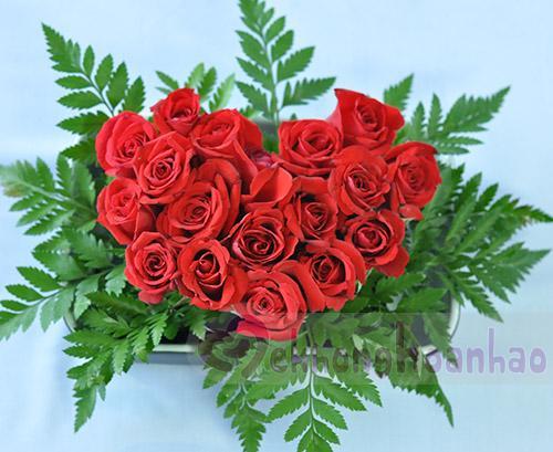 Bật mí cách cắm hoa hồng hình trái tim lãng mạn hình ảnh 3