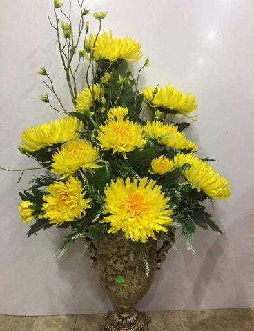 Cách cắm hoa cúc ngày Tết trên bàn thờ đơn giản hình ảnh 9