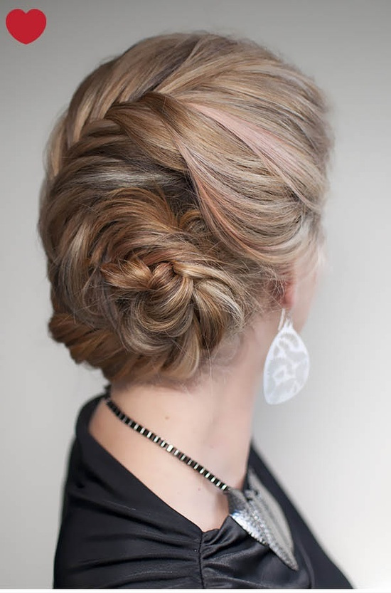 3 cách làm tóc đẹp cho ngày Valentine ngọt ngào hình ảnh 12