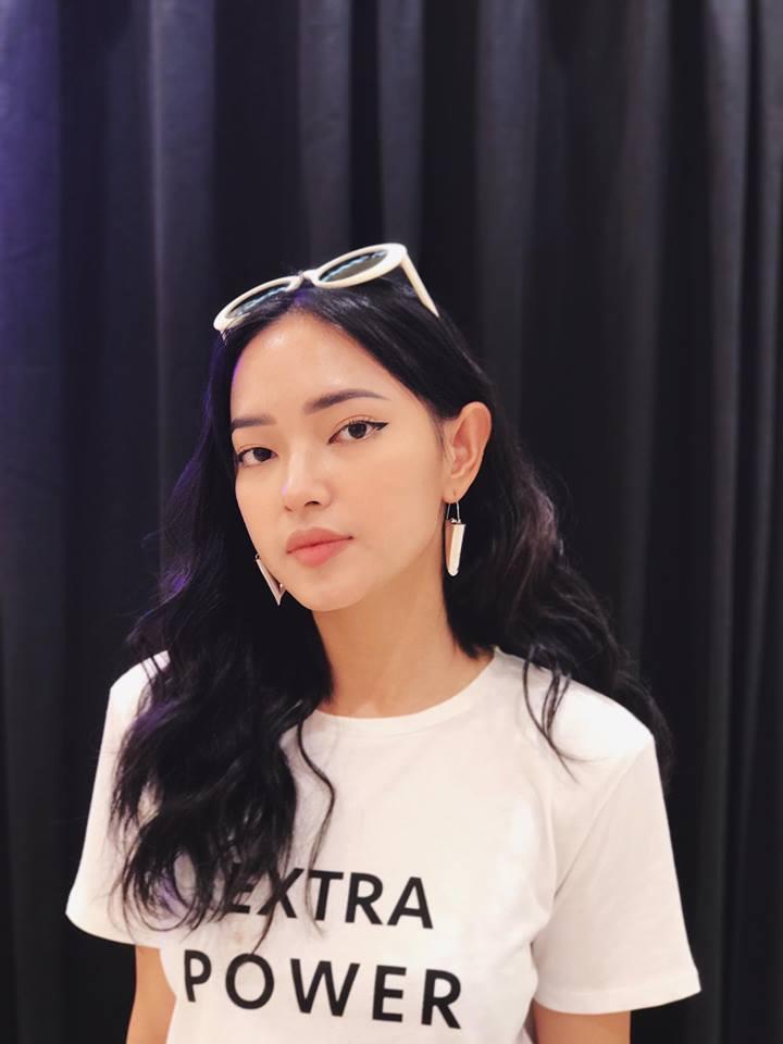 Muôn kiểu khuyên tai đẹp cá tính của cô nàng fashionista Châu Bùi hình ảnh 4
