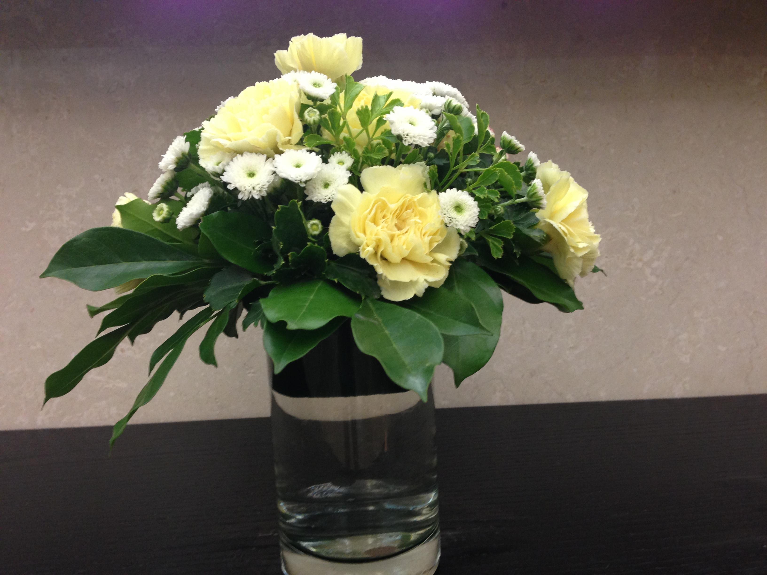 Hướng dẫn cách cắm hoa cúc đẹp nhỏ nhắn xinh xắn hình 7
