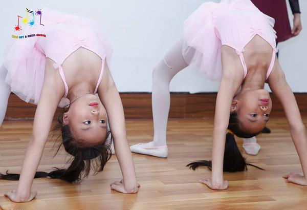 """Eo thon, dáng đẹp và nhiều lợi ích """"khổng lồ"""" với khóa múa ballet cho bé hình ảnh 2"""