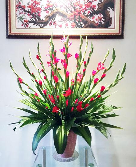 Cách cắm hoa lay ơn ngày Tết đón Tài Lộc vào nhà hình ảnh 13