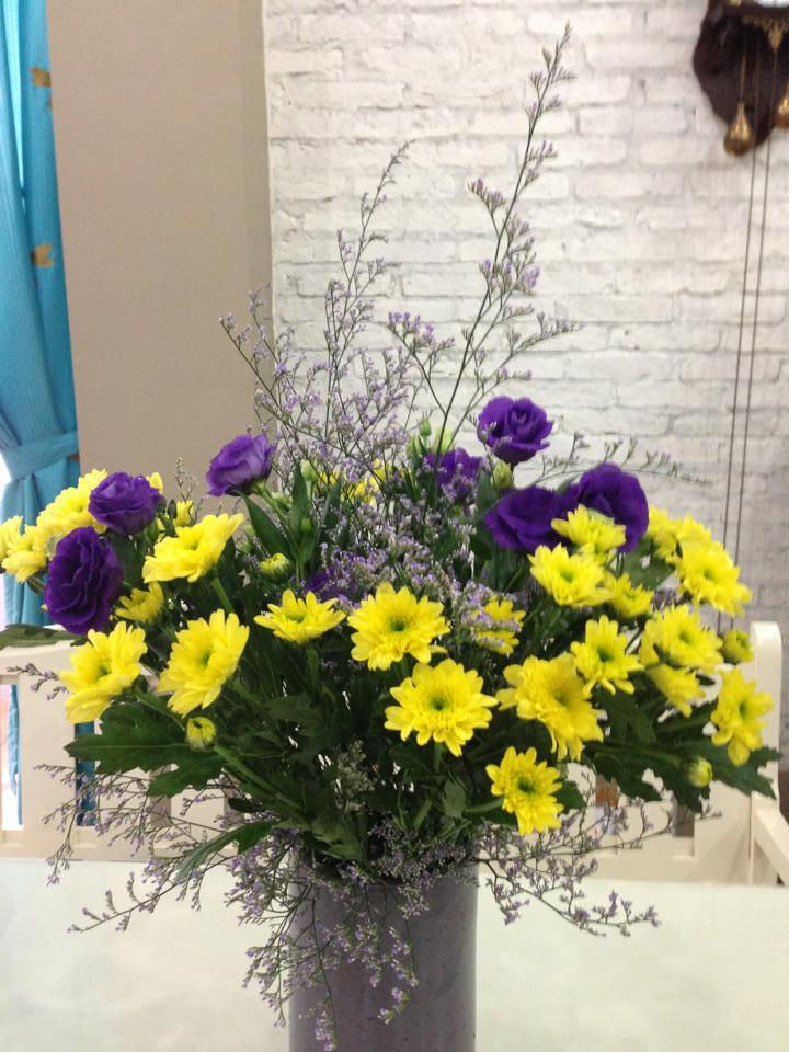 Bật mí cách cắm hoa cúc cực đẹp nhưng vô cùng đơn giản hình 8